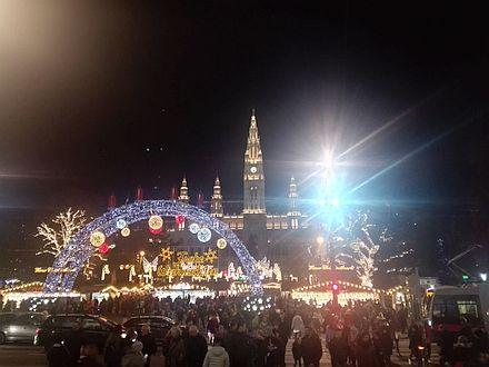 ウィーン市庁舎前のクリスマス市